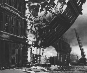 2. Dunya Savasi Londra Bombardimani Videosu