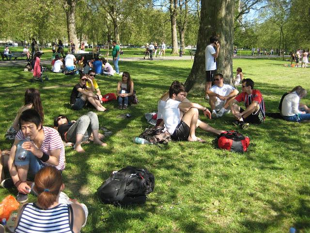 Londra'dan Mayıs Sonunda Hava Kıyağı