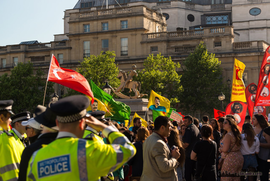 Ingiltere-Londra Protestolari - Occupygezi - Trafalgar Square (20)