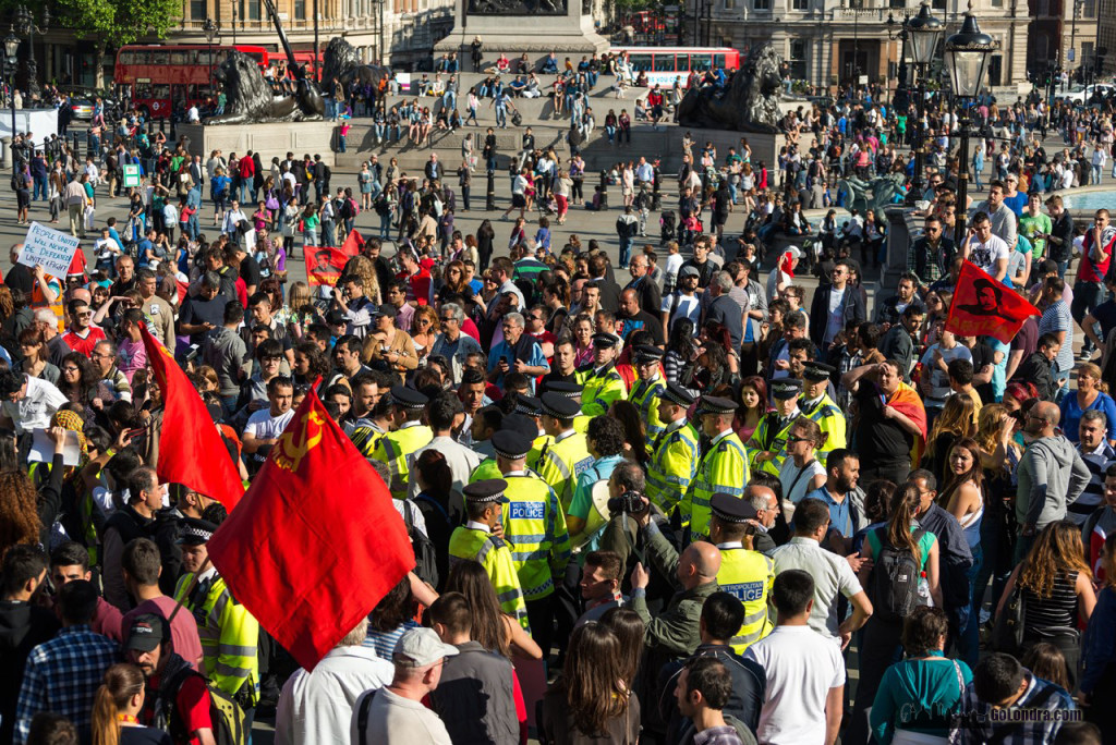 Ingiltere-Londra Protestolari - Occupygezi - Trafalgar Square (21)