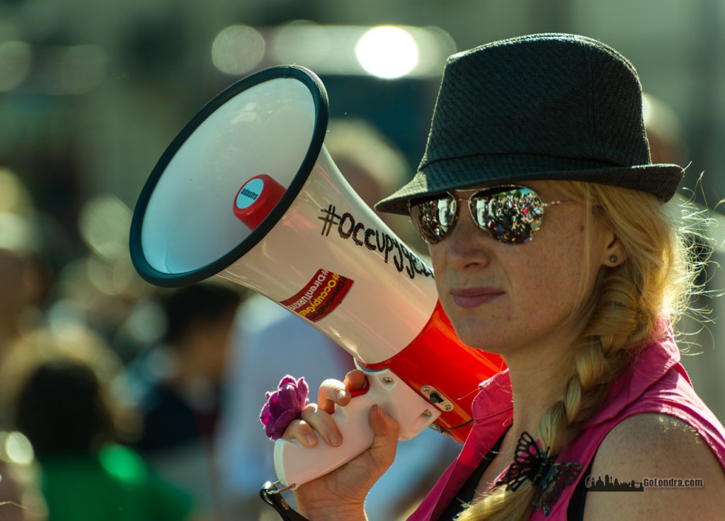 Ingiltere-Londra Protestolari - Occupygezi - Trafalgar Square (3)