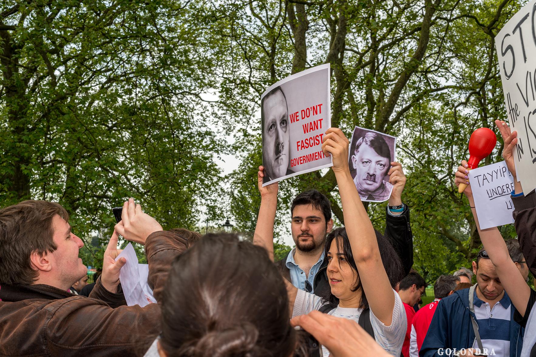 Protesting Turkish Government - Turk Hukumetini Protesto - Londra - London (13)