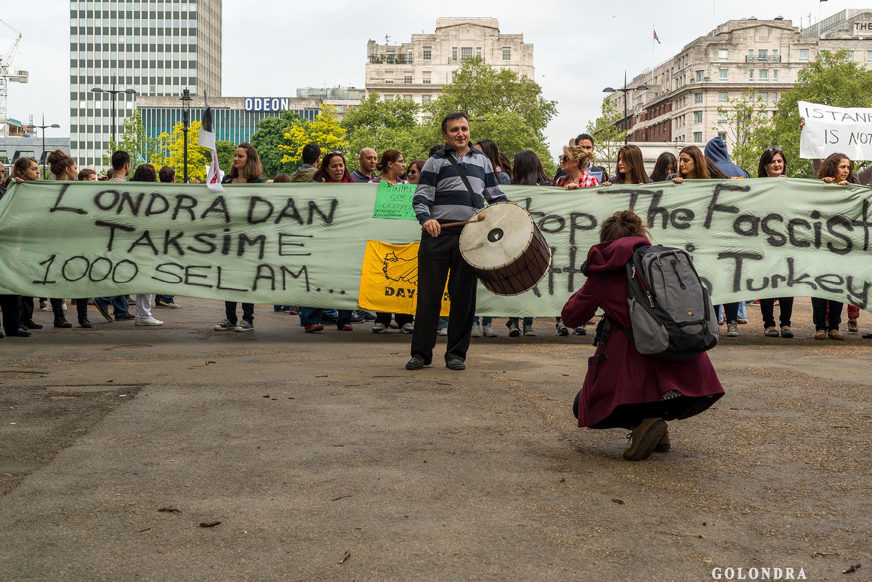 Protesting Turkish Government - Turk Hukumetini Protesto - Londra - London (17)