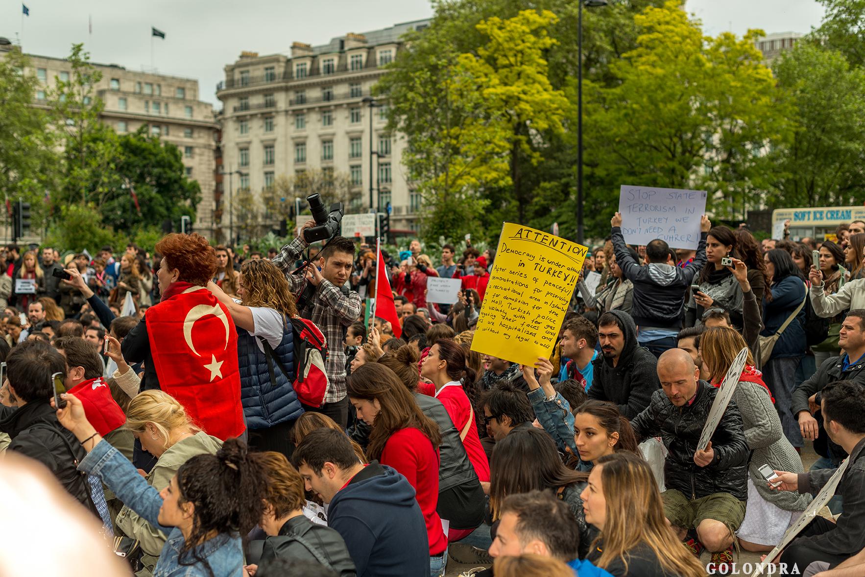 Londra'da Türklerin Protestosu – Hyde Park – Occupygezi