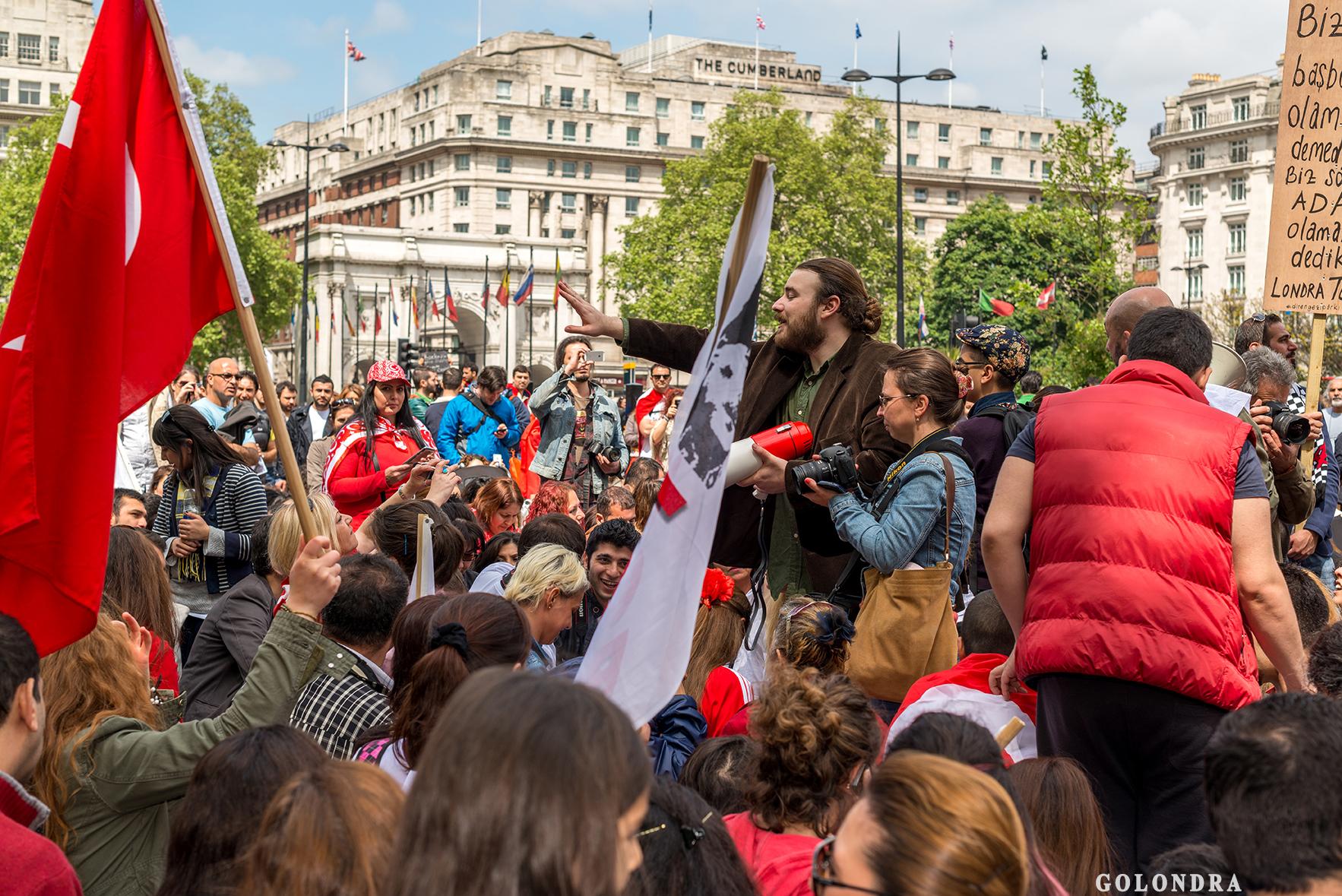 Protesting Turkish Government - Turk Hukumetini Protesto - Londra - London (23)