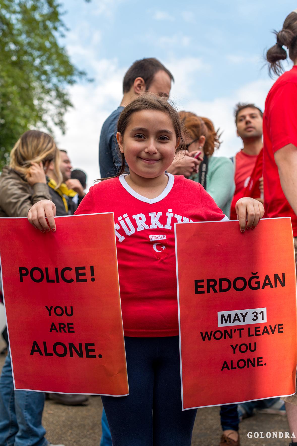 Protesting Turkish Government - Turk Hukumetini Protesto - Londra - London (24)