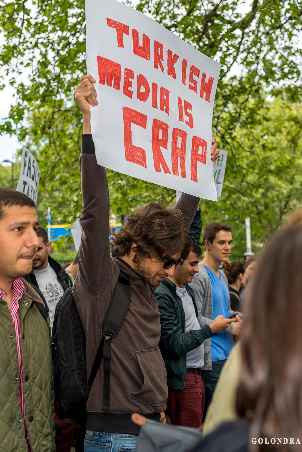 Protesting Turkish Government - Turk Hukumetini Protesto - Londra - London (28)