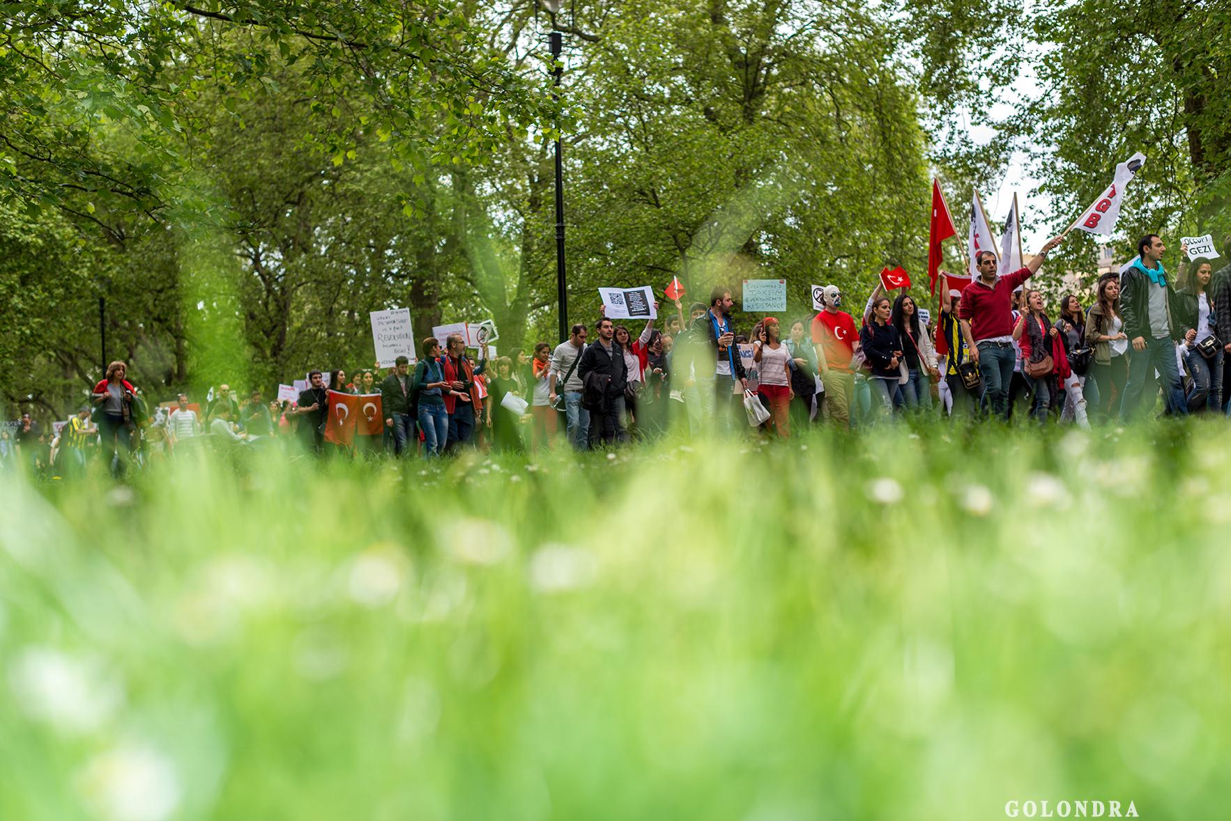 Protesting Turkish Government - Turk Hukumetini Protesto - Londra - London (32)