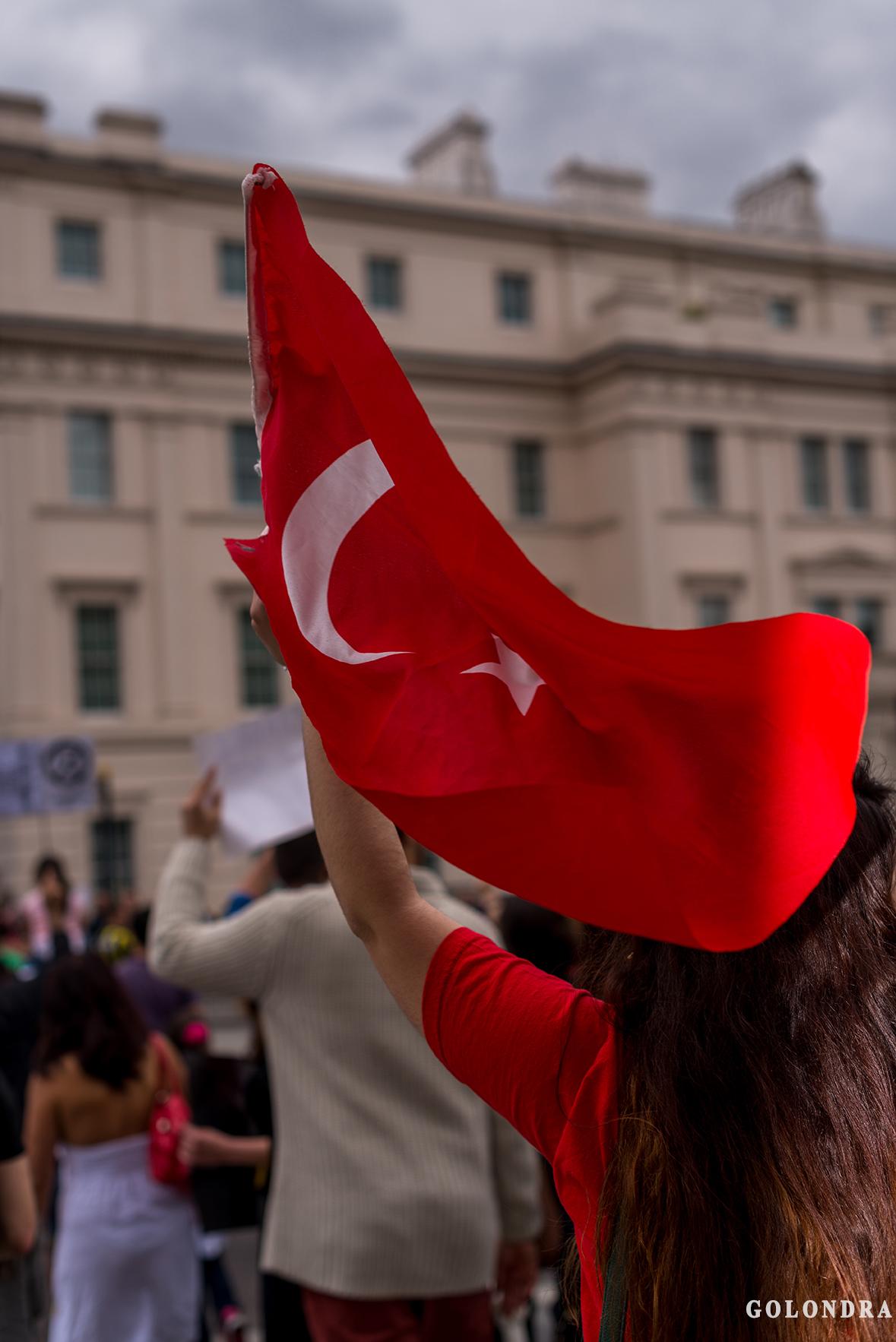 Protesting Turkish Government - Turk Hukumetini Protesto - Londra - London (34)