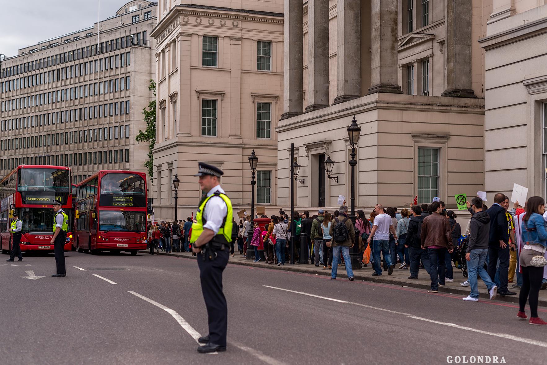 Protesting Turkish Government - Turk Hukumetini Protesto - Londra - London (35)