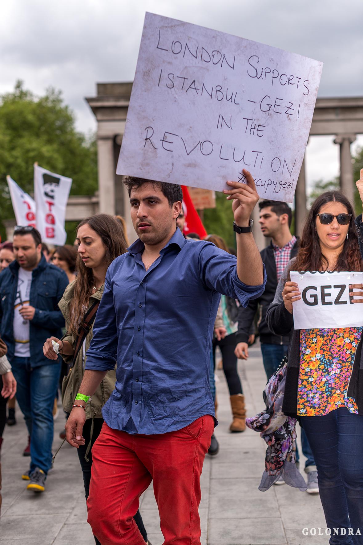 Protesting Turkish Government - Turk Hukumetini Protesto - Londra - London (36)