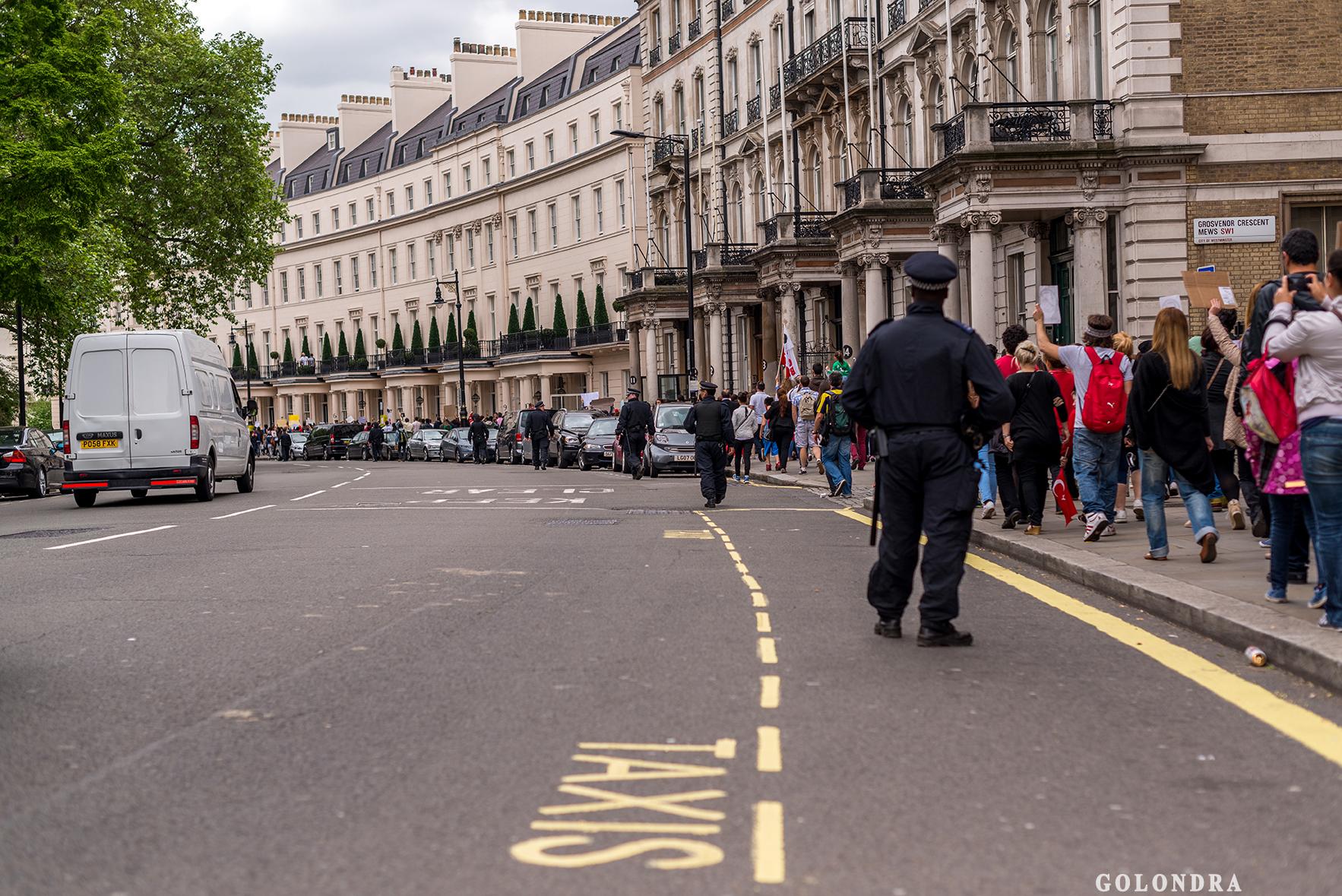 Protesting Turkish Government - Turk Hukumetini Protesto - Londra - London (37)