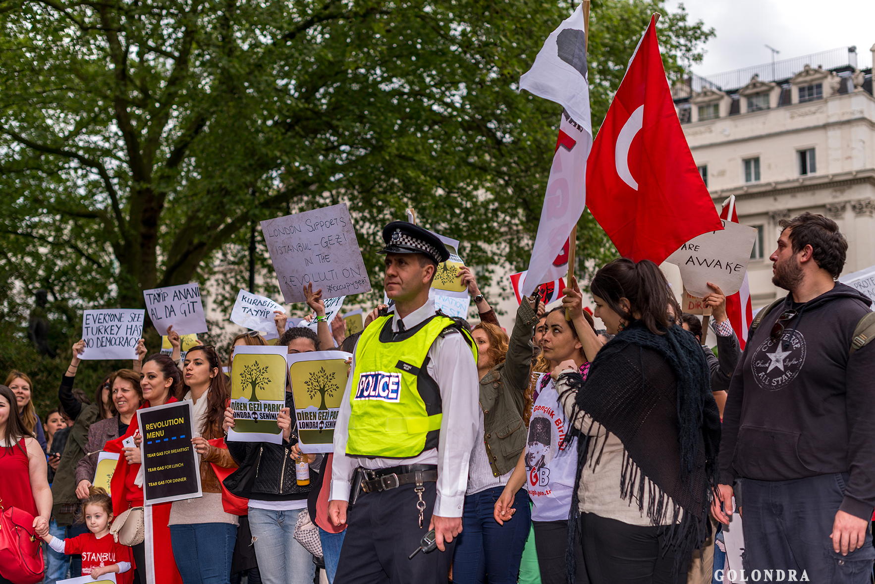 Protesting Turkish Government - Turk Hukumetini Protesto - Londra - London (38)