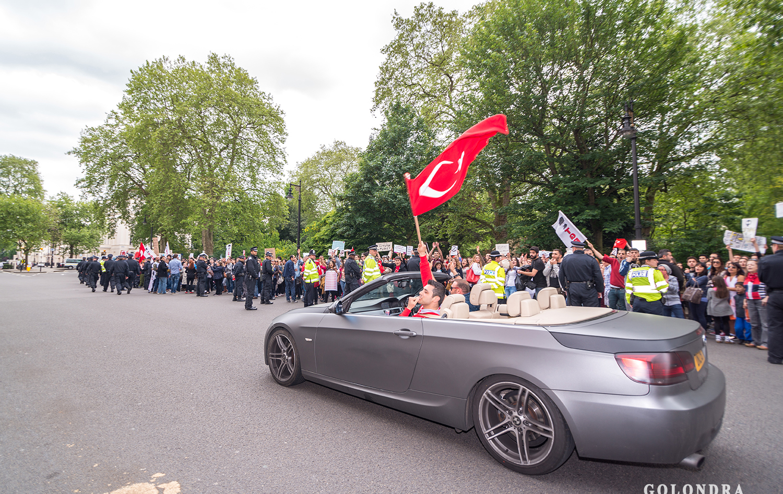 Protesting Turkish Government - Turk Hukumetini Protesto - Londra - London (40)