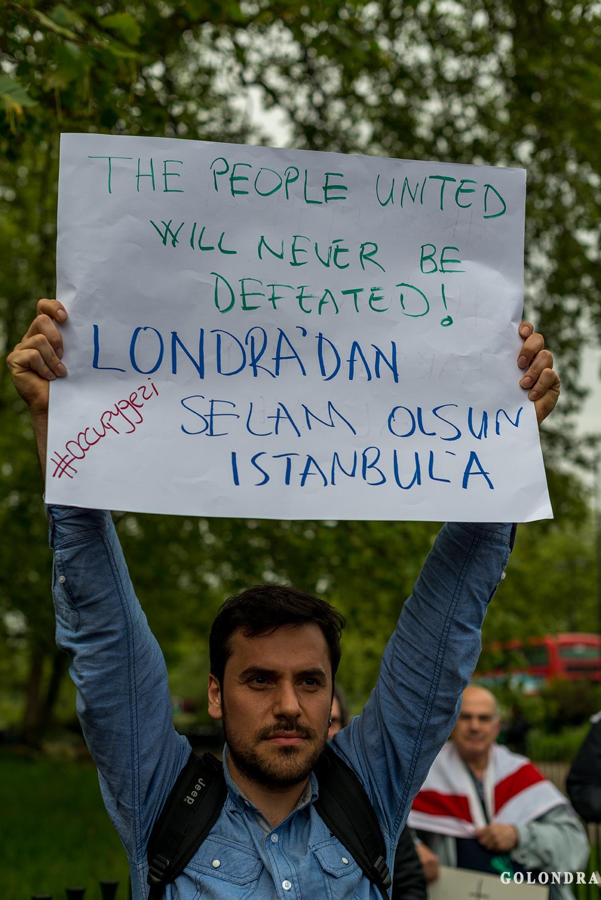 Protesting Turkish Government - Turk Hukumetini Protesto - Londra - London (7)