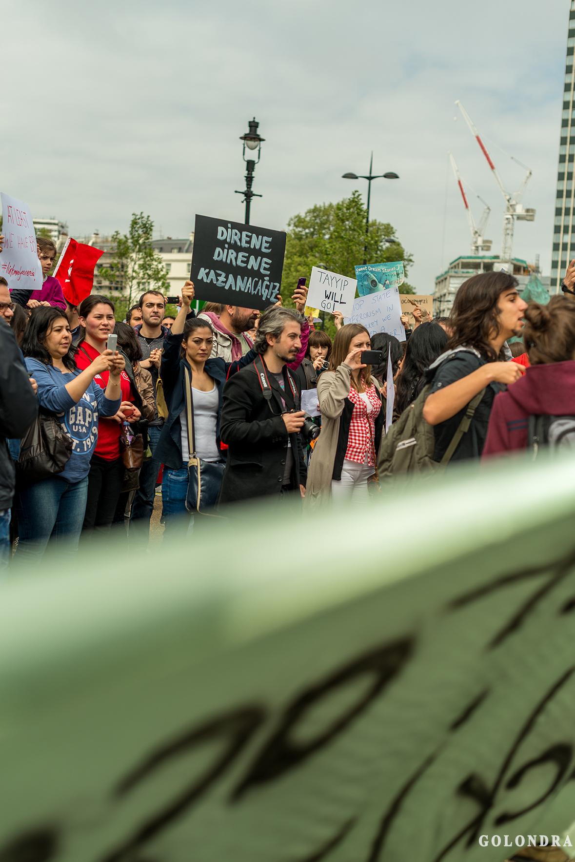 Protesting Turkish Government - Turk Hukumetini Protesto - Londra - London (8)