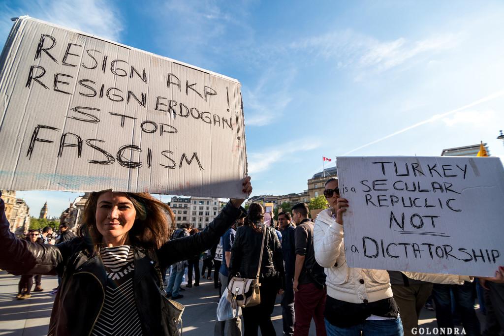 Protests in London Trafalgar Square - Occupygezi (11)