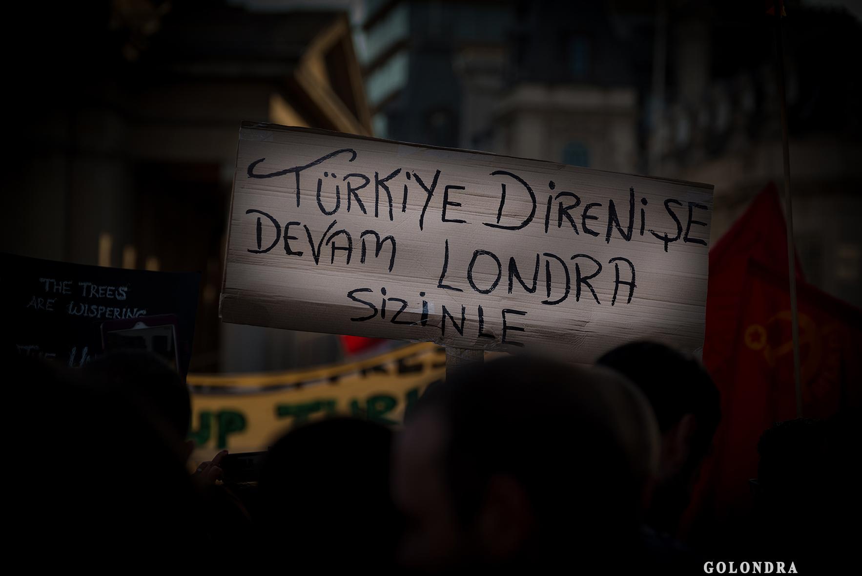 Londra'da Türklerin Protestosu – Trafalgar Square – Occupygezi