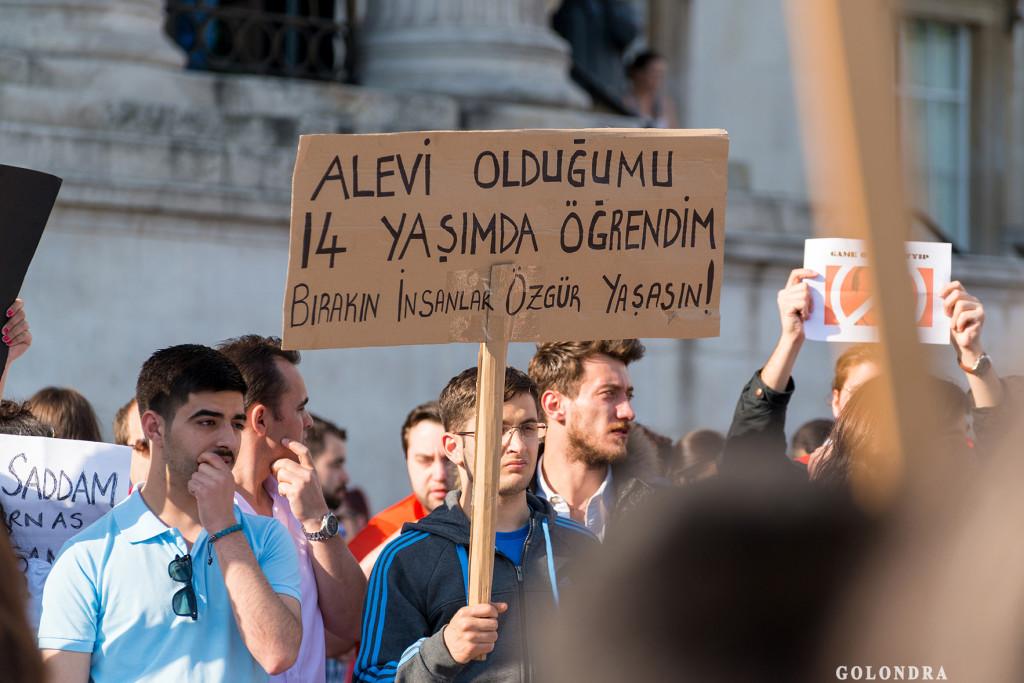 Protests in London Trafalgar Square - Occupygezi (2)